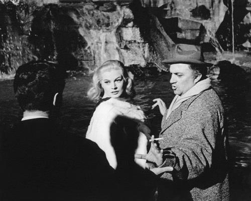 Federico Fellini y Anita Ekberg en 'La dolce vita' (1960)