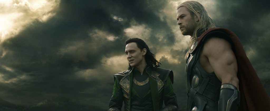 Tom Hiddleston y Chris Hemsworth en Thor: El mundo oscuro