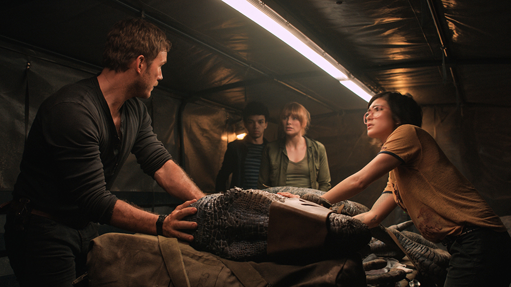 Bryce Dallas Howard, Chris Pratt, Daniella Pineda, y Justice Smith en Jurassic World Fallen Kingdom (2018)