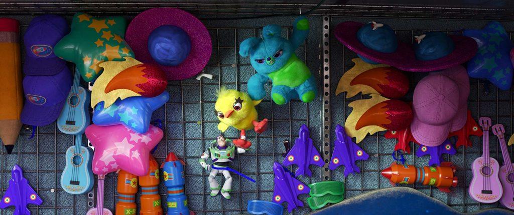 Buzz, junto a Bunny y Ducky