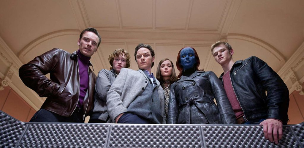 Rose Byrne, James McAvoy, Michael Fassbender, Lucas Till, Jennifer Lawrence, y Caleb Landry Jones en X: First Class (2011)