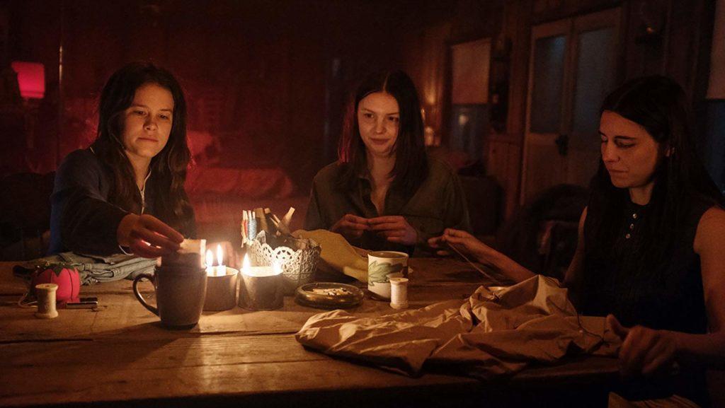 Las chicas preparan una velada para Manson