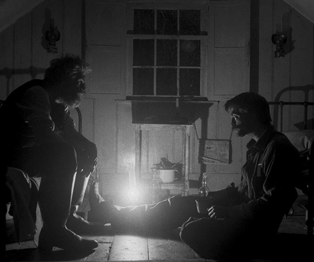 Robert Pattinson y Willem Dafoe  en The Lighthouse (2019)
