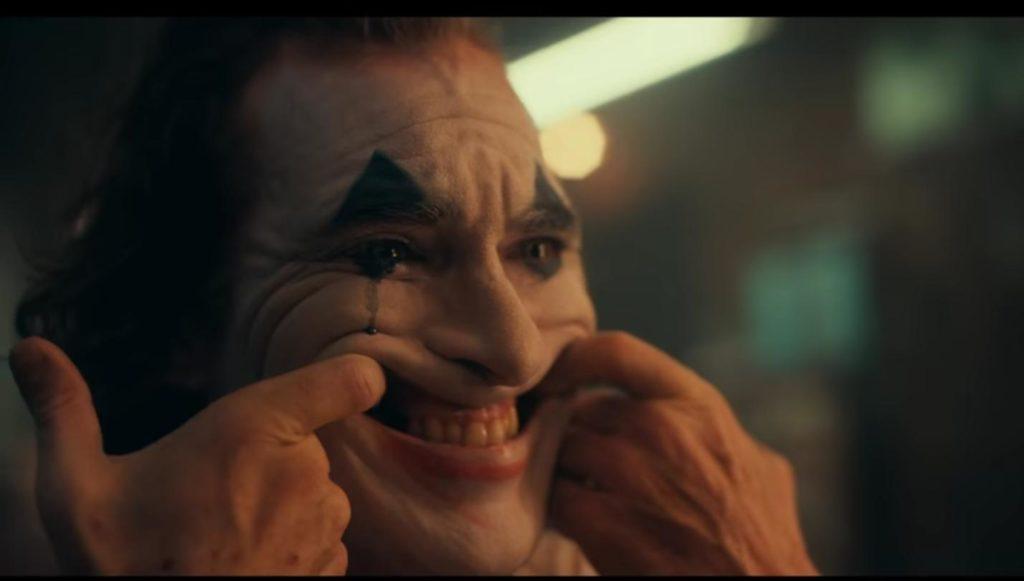 Joaquin Phoenix sonrisa amarga