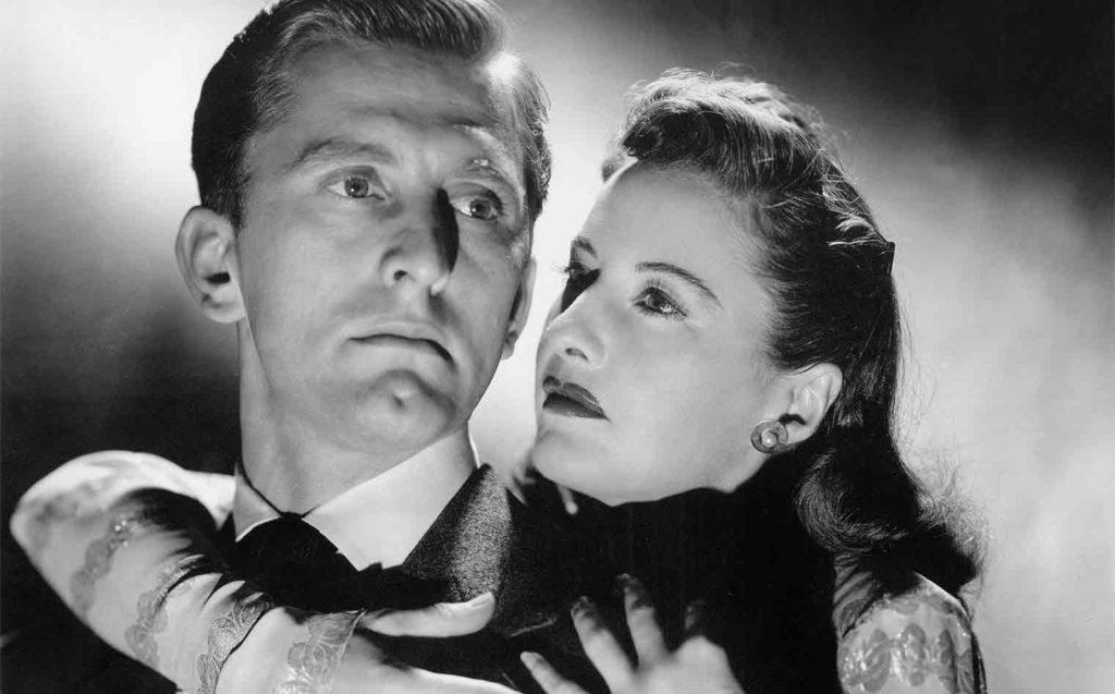 Kirk Douglas y Barbara Stanwyck en El extraño amor de Martha Ivers (1946)