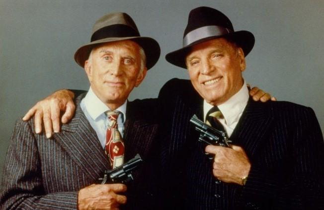 Kirk Douglas y Burt Lancaster en Otra ciudad otra ley (1986)